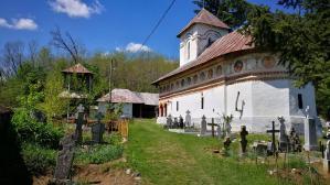 Biserica din Teiuş, ridicată între 1728 - 1735
